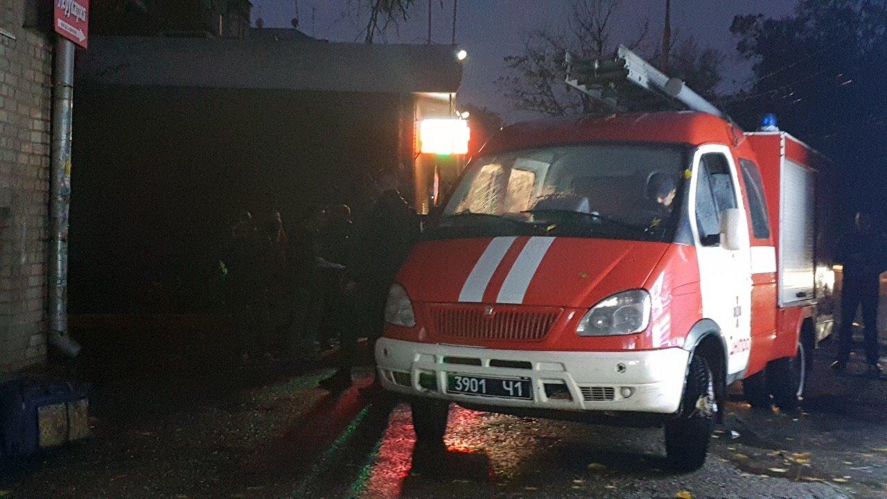 В Днепре треснула стена общежития, студентов эвакуировали: завтра перекроют центральный проспект, - ФОТО, фото-6