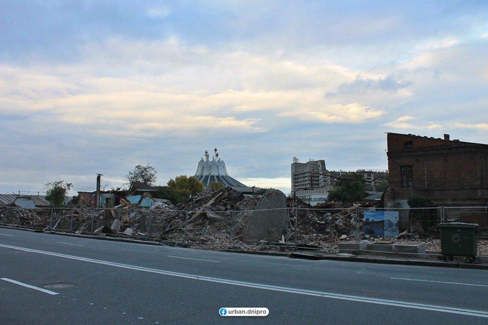 В центре Днепра расчищают территорию под строительство нового торгового комплекса, фото-3