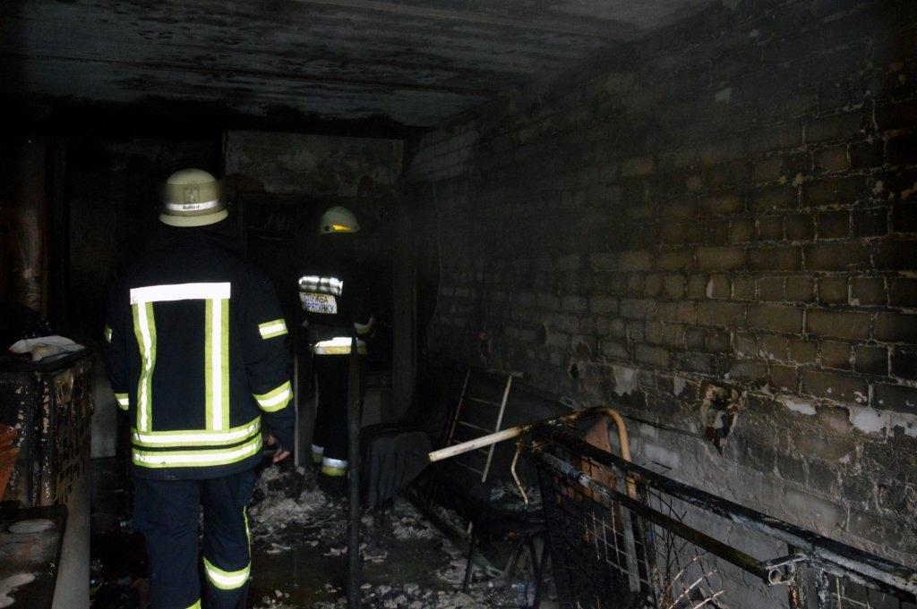 В Днепре горел гериатрический пансионат, - ФОТО, ВИДЕО, фото-3