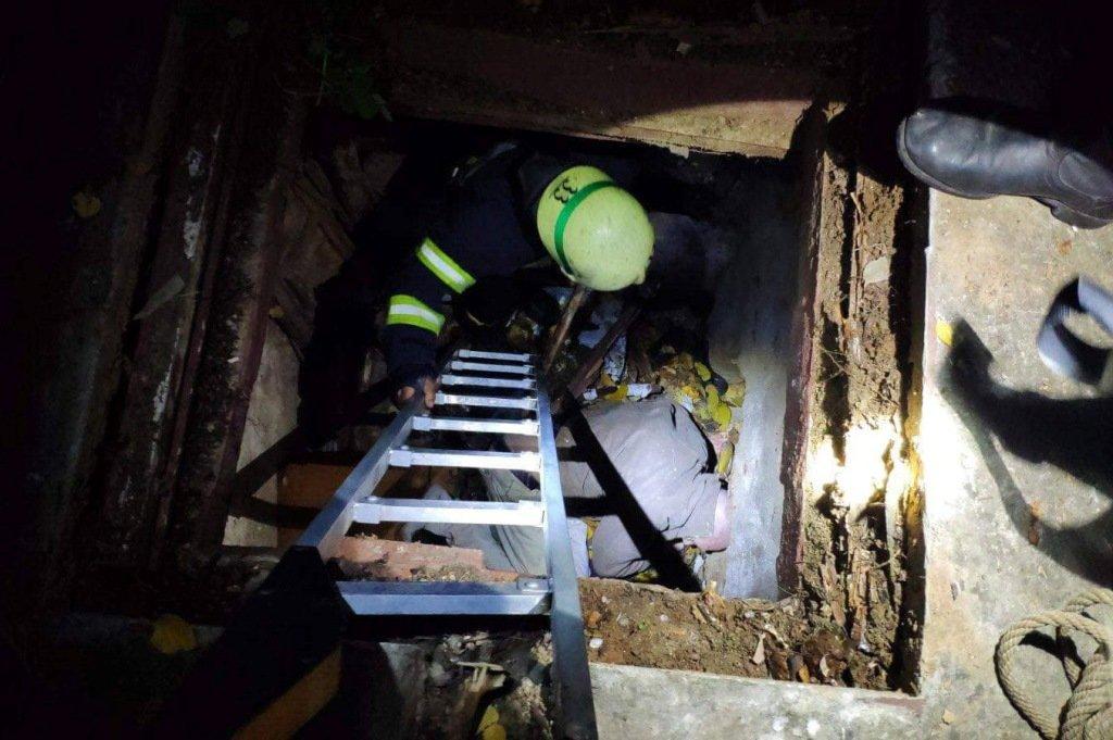 На Днепропетровщине мужчина провалился в подвал заброшенного дома, - ФОТО, фото-2