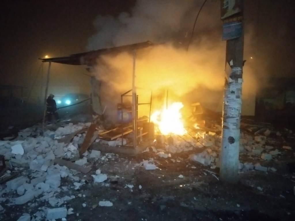 На Днепропетровщине горел торговый павильон, - ФОТО , фото-3