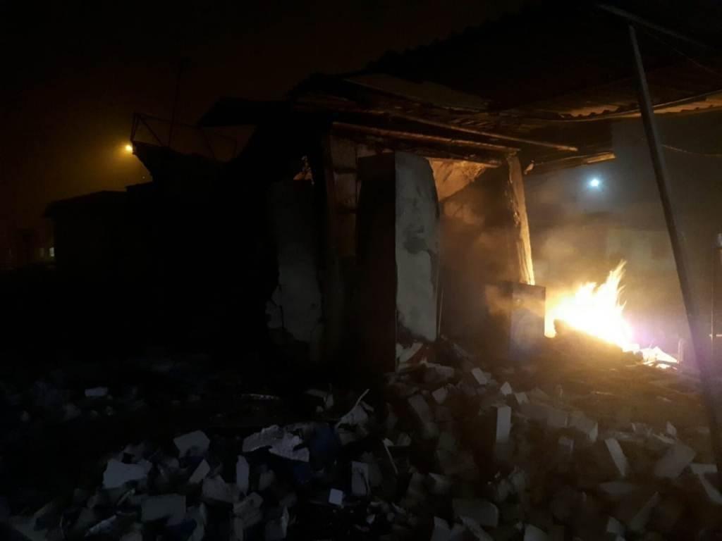 На Днепропетровщине горел торговый павильон, - ФОТО , фото-2