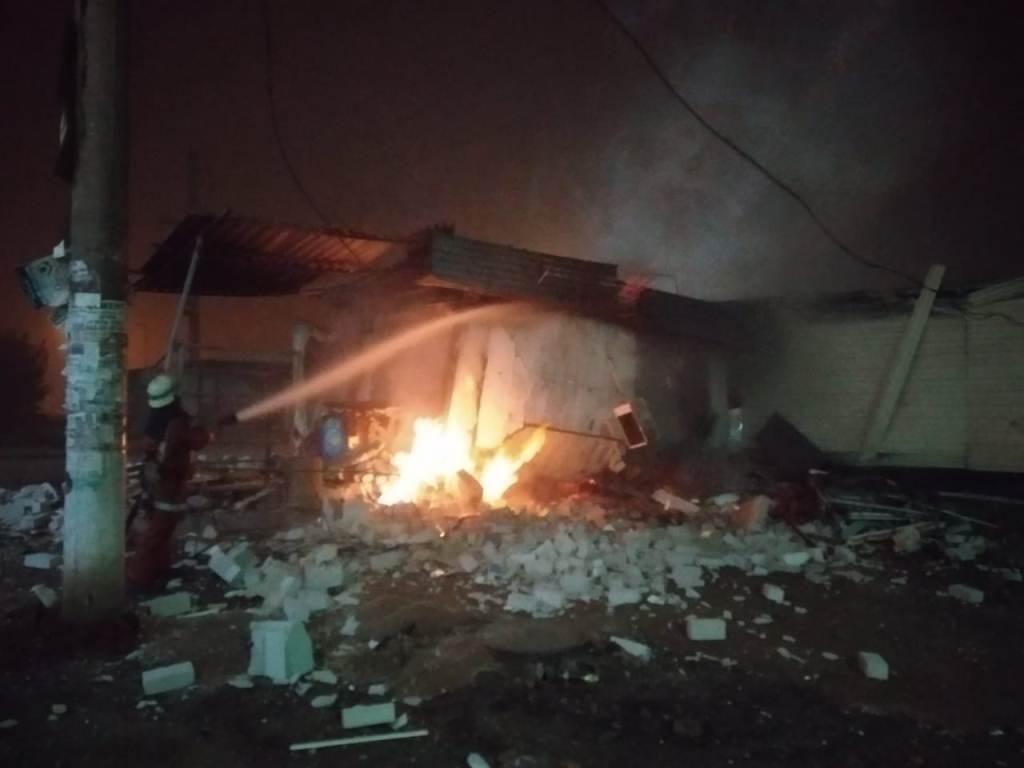 На Днепропетровщине горел торговый павильон, - ФОТО , фото-4