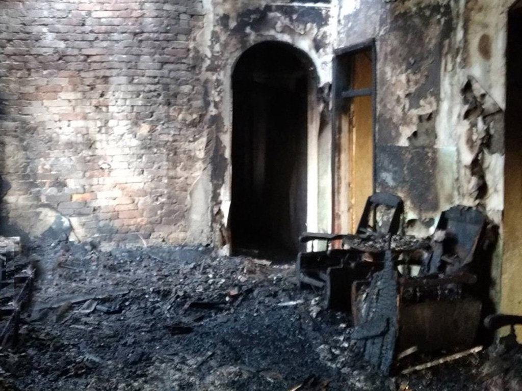 На Днепропетровщине десятеро пожарных спасали мужчину из огня, - ФОТО, фото-2