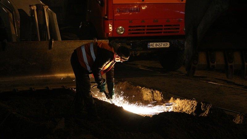 В Днепре ремонтируют аварийный участок трамвайной колеи, - ФОТО, фото-1