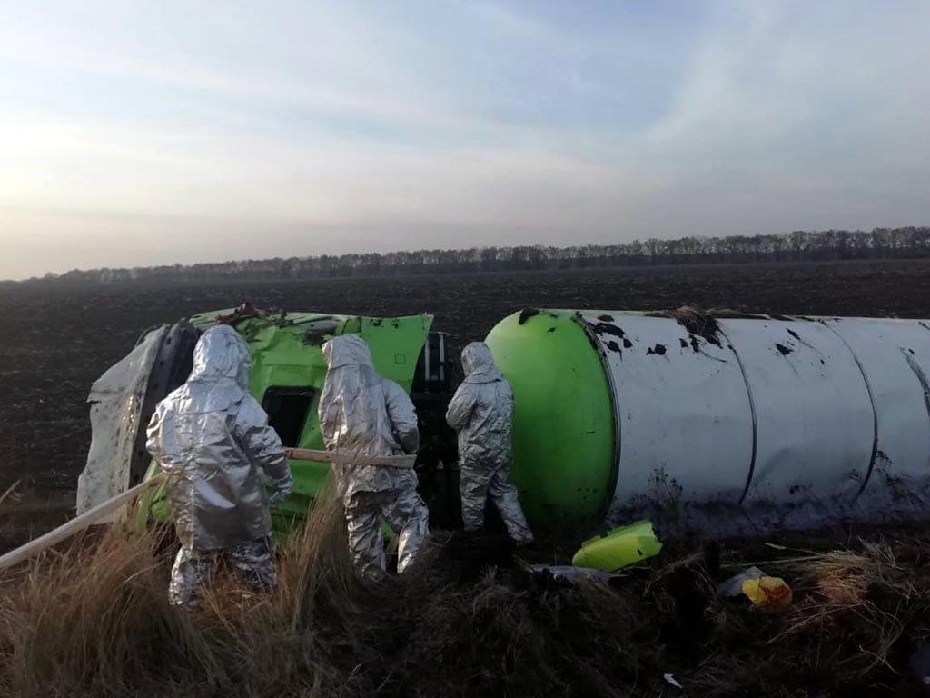 Под Днепром перевернулся газовоз: спасатели доставали его больше суток, - ФОТО, фото-1