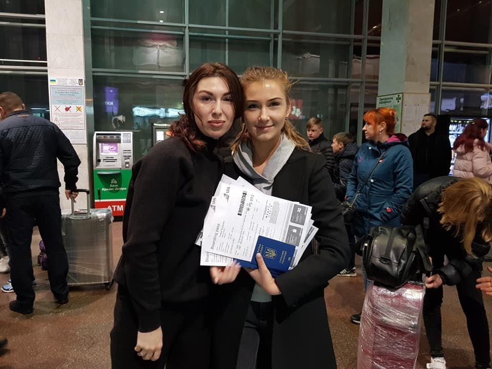 Сегодня из Днепра дети переселенцев и погибших бойцов АТО отправились в Литву на обучение, - ФОТО, фото-6