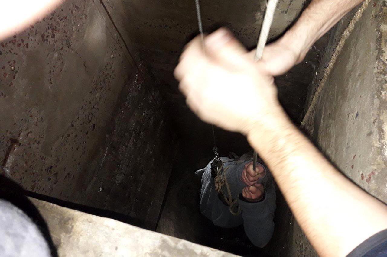 В Днепре мужчина упал в 13-метровый колодец с водой, - ФОТО, фото-3