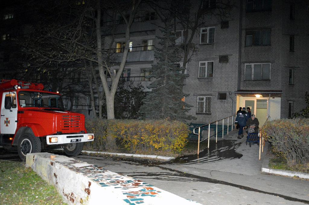 В Днепре горел гериатрический пансионат: пожарные спасали пациентов, - ФОТО, ВИДЕО, фото-4