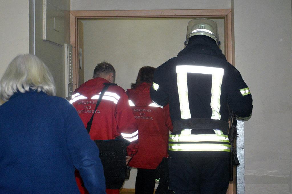 В Днепре горел гериатрический пансионат: пожарные спасали пациентов, - ФОТО, ВИДЕО, фото-3