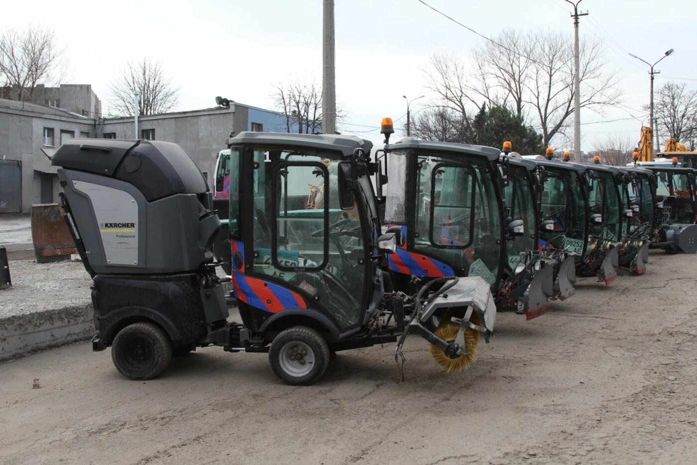 """В Днепре к зиме уже подготовили коммунальные """"машины-трансформеры"""", - ФОТО, фото-4"""