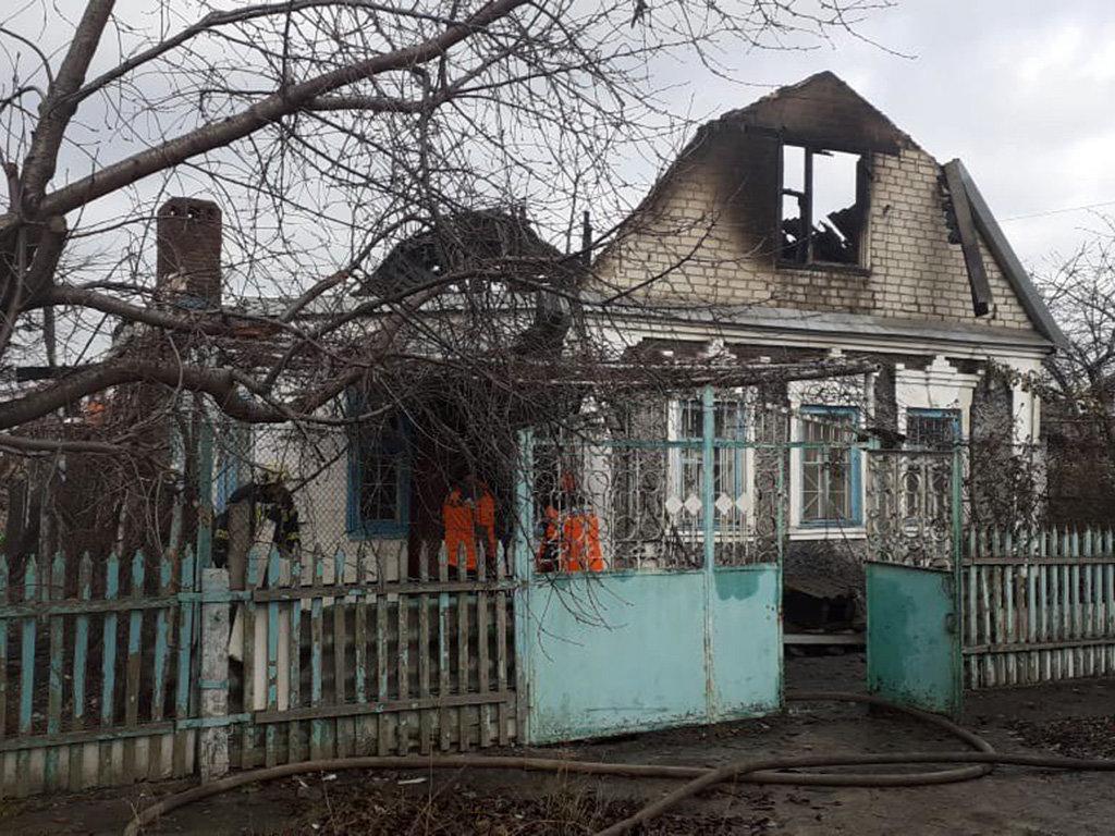 На Днепропетровщине произошел пожар: пострадали мужчина с ребенком, - ФОТО, фото-1