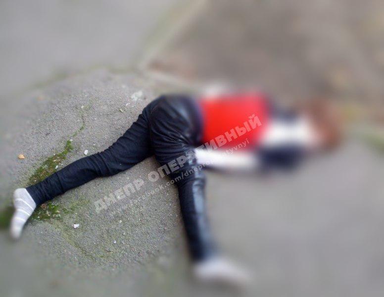 В Днепре женщина выпала из окна, - ФОТО, фото-1