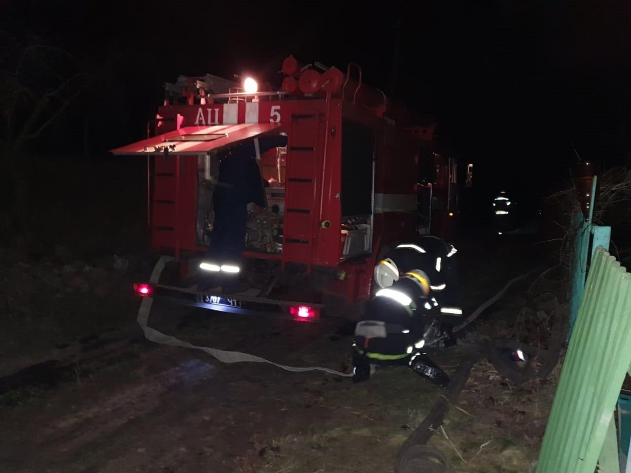 Под Днепром 13 спасателей тушили пожар в летней кухне, - ФОТО, фото-5