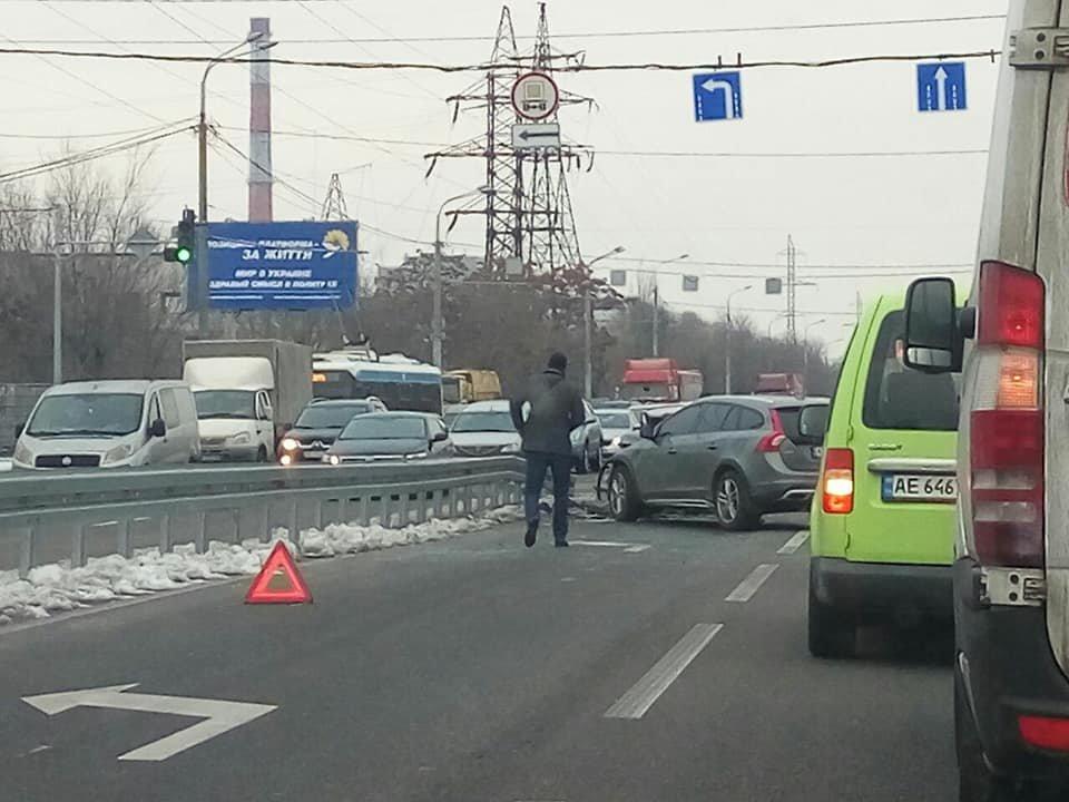 В Днепре масштабное ДТП: столкнулись 4 автомобиля, - ФОТО, ВИДЕО, фото-1