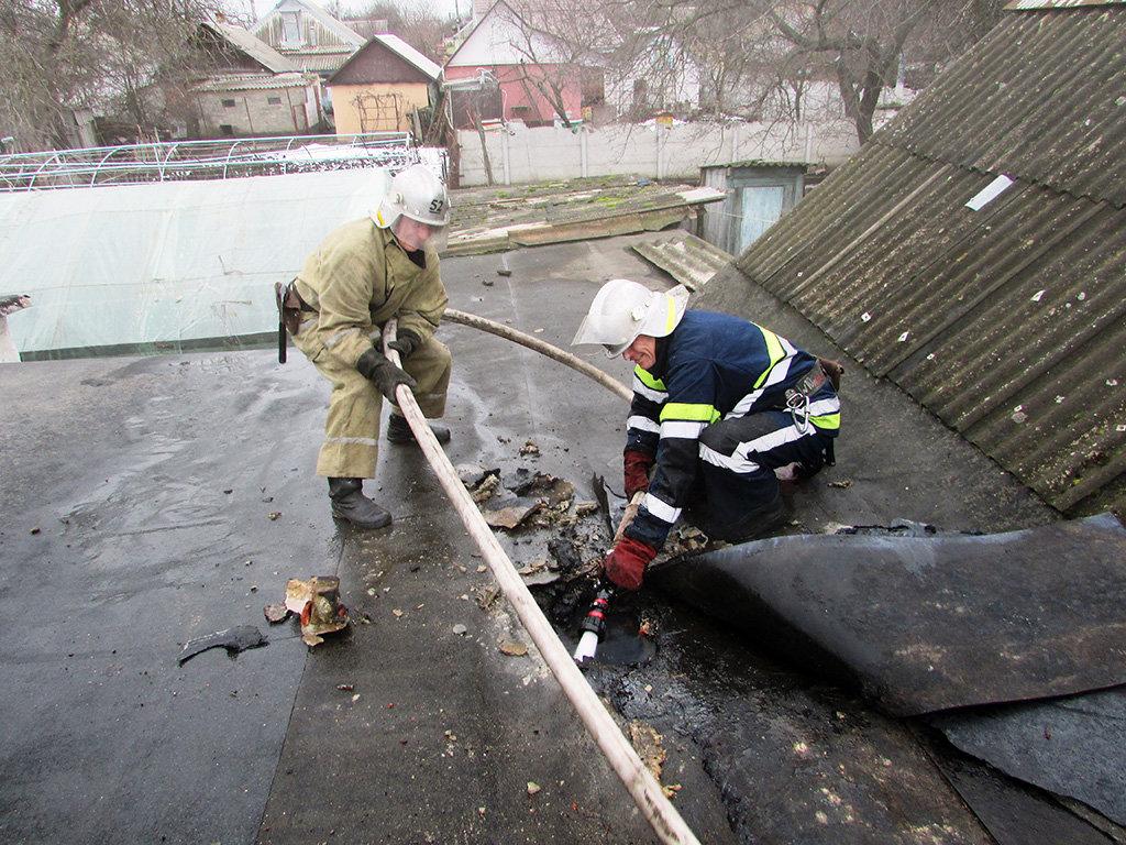 На Днепропетровщине пожарники потушили возгорание в частном секторе, - ФОТО, фото-2