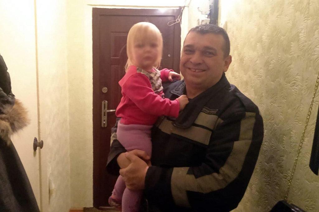 На Днепропетровщине 2-летняя девочка закрылась в квартире, - ФОТО, фото-2