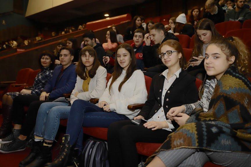 В Днепре молодежь учили, как предотвратить и противодействовать насилию, фото-8