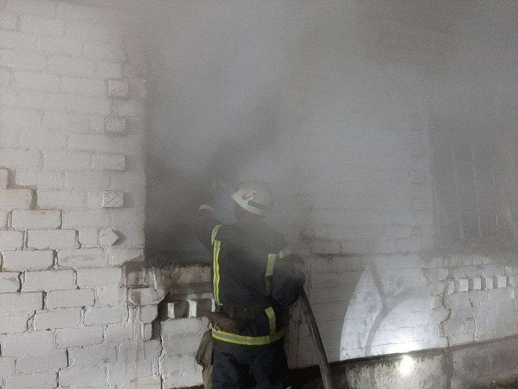 Под Днепром 10 спасателей тушили пожар: погиб мужчина, - ФОТО, фото-2