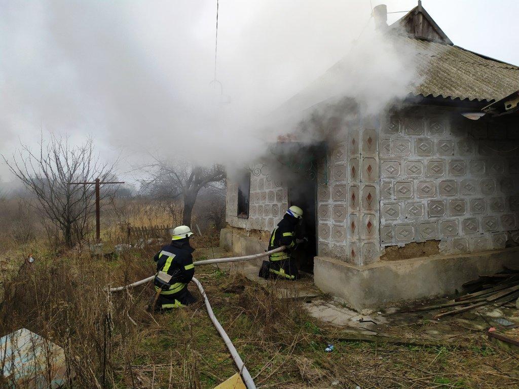 Под Днепром произошел пожар: есть пострадавшие, - ФОТО, ВИДЕО, фото-3