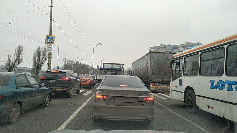 В Днепре с утра пробки из-за нескольких аварий, - ФОТО, фото-1