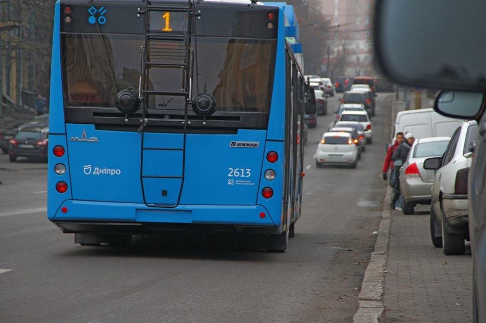 В Днепре разделили общественный транспорт по цветам и показали синие троллейбусы, - ФОТО, фото-3