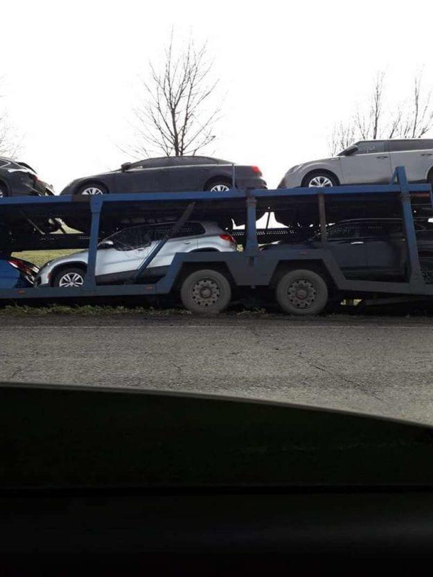 На трассе в Днепропетровской области автовоз с иномарками вылетел в кювет, - ФОТО, фото-3