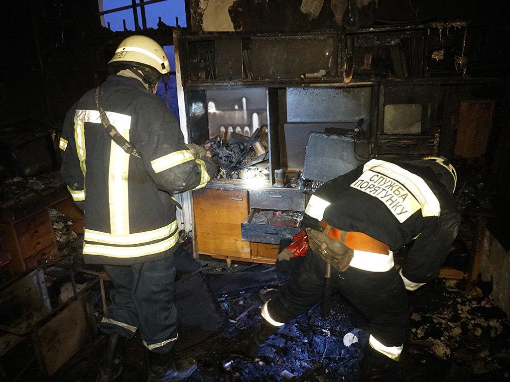 В центре Днепра два пожара в квартирах: один мужчина пострадал и один погиб, - ФОТО, фото-6