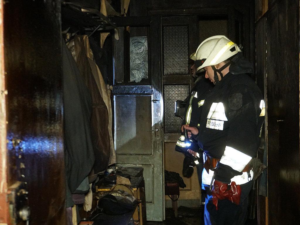 В центре Днепра два пожара в квартирах: один мужчина пострадал и один погиб, - ФОТО, фото-7
