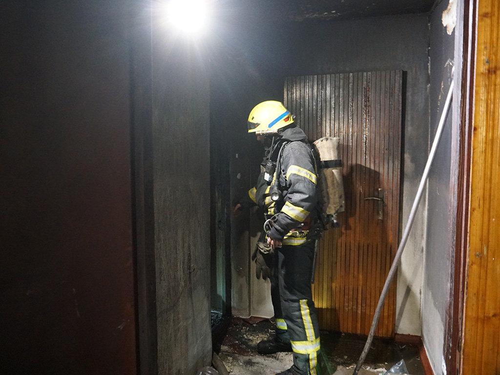 В центре Днепра два пожара в квартирах: один мужчина пострадал и один погиб, - ФОТО, фото-3