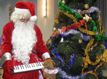 Трезвый Дед Мороз, Снегурочка с видеокамерой: самые необычные предложения на Новый Год в Днепре, фото-1