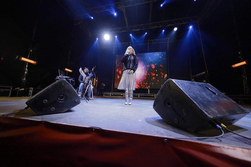 На открытии новогоднего городка и елки в центре Днепра собралось более 6500 горожан, фото-8