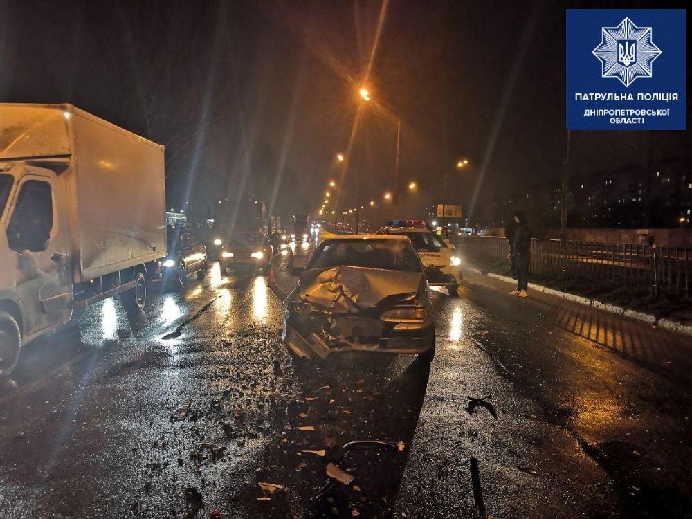 В Днепре из-за пьяного водителя произошло ДТП с пострадавшим, - ФОТО, фото-1