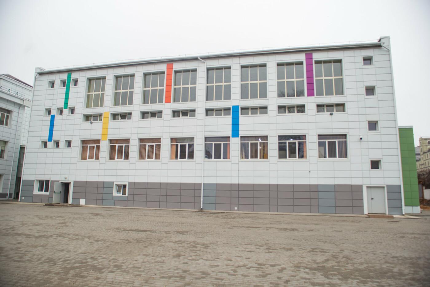 В Днепре старая школа превратилась в яркую и современную, - ФОТО, фото-2