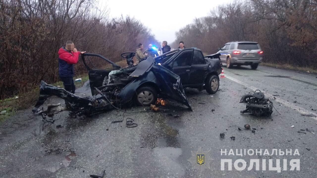На Днепропетровщине случилось ДТП с участием рейсового автобуса, есть жертвы, - ФОТО, фото-1