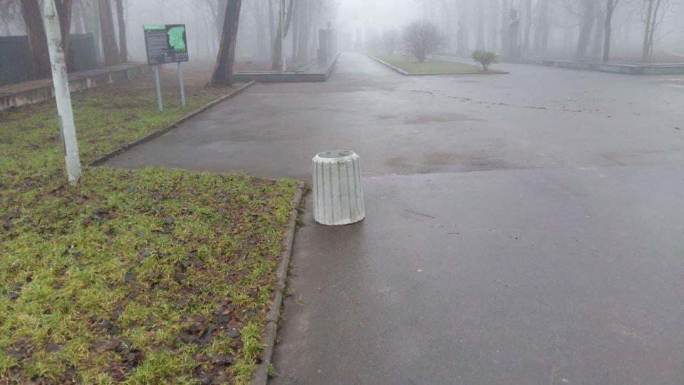 В Днепре устанавливают новые урны в парках и зеленых зонах, - ФОТО, фото-4