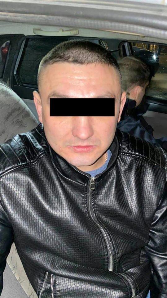 """Под Днепром """"ГАЗель"""" выехала на площадь в толпу людей, - ФОТО, фото-2"""