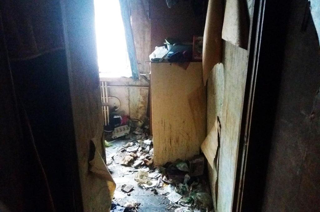 На Днепропетровщине пожарные спасли женщину из горящей квартиры, - ФОТО