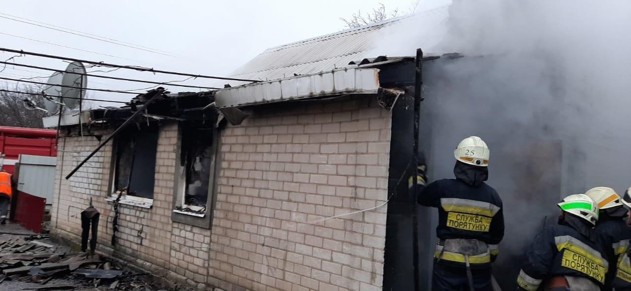 В Днепропетровской области в частном секторе горело жилое здание, - ФОТО, фото-1