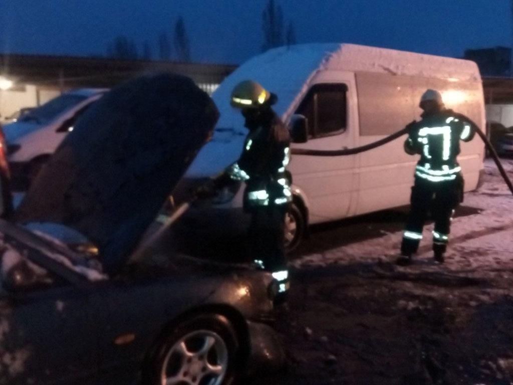 На Днепропетровщине на стоянке горели автомобили, - ФОТО, фото-2