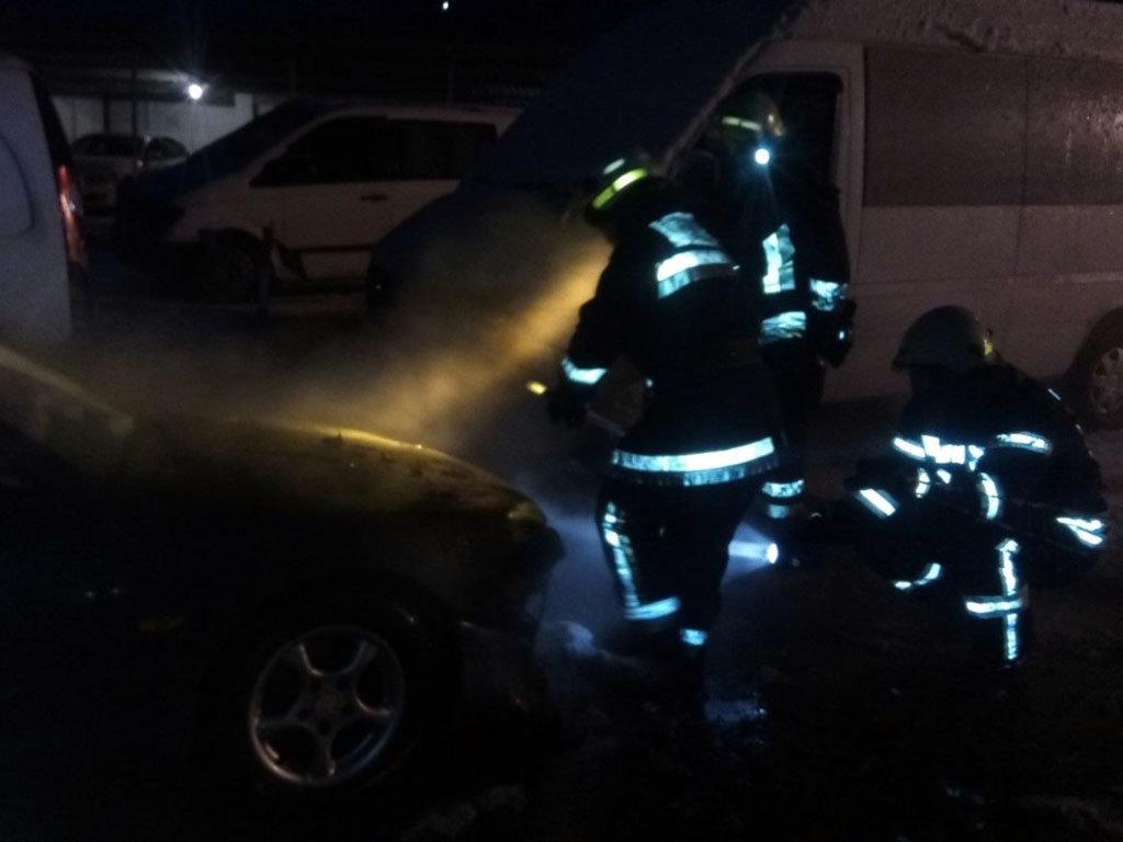 На Днепропетровщине на стоянке горели автомобили, - ФОТО, фото-3