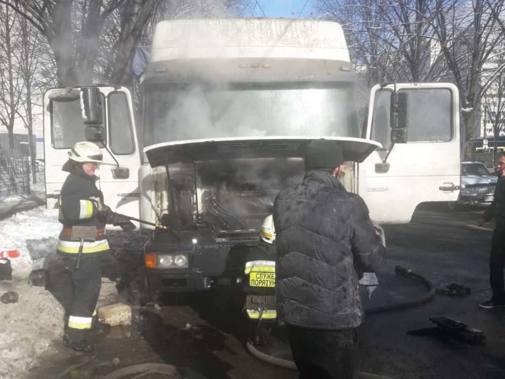 В Днепре загорелся грузовик, - ФОТО, ВИДЕО, фото-3