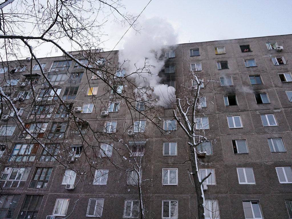 Пожар в общежитии в Днепре: 40 человек спасли, шестеро госпитализированы, - ФОТО, фото-1