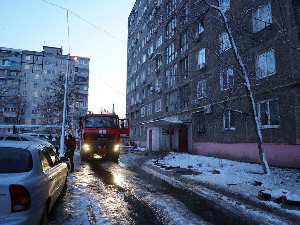 Пожар в общежитии в Днепре: 40 человек спасли, шестеро госпитализированы, - ФОТО, фото-6