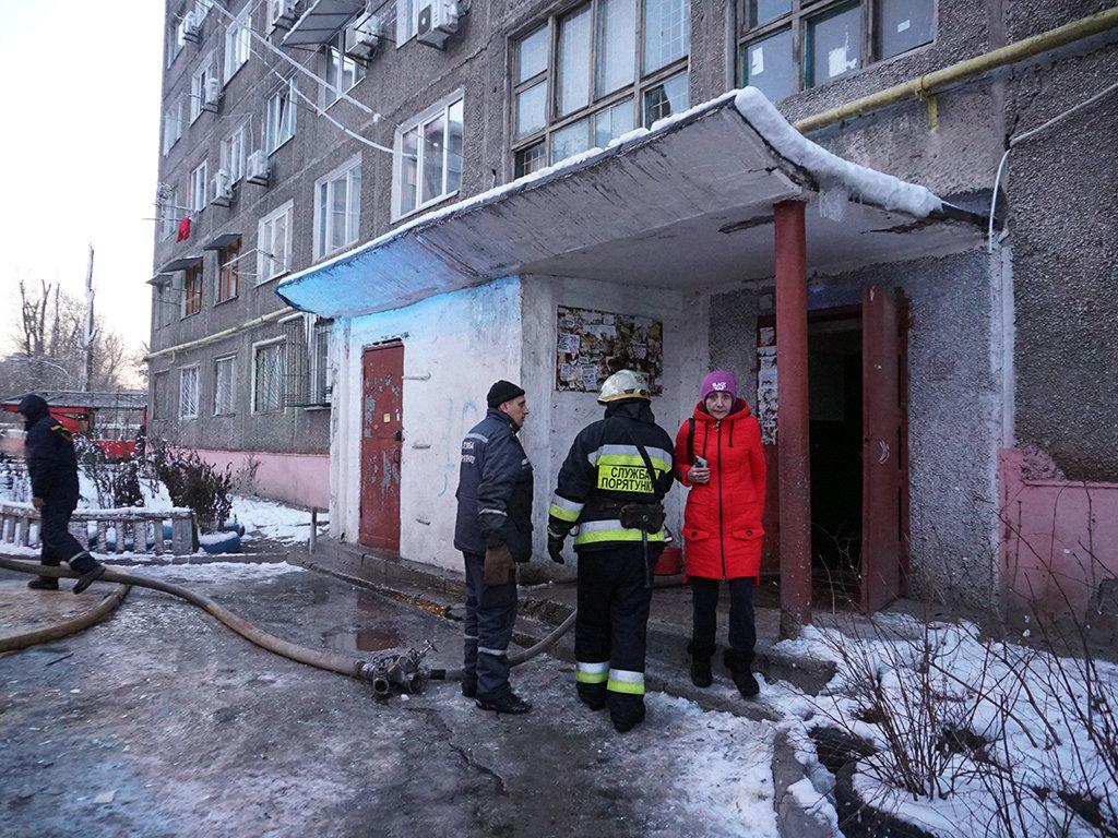 Пожар в общежитии в Днепре: 40 человек спасли, шестеро госпитализированы, - ФОТО, фото-5