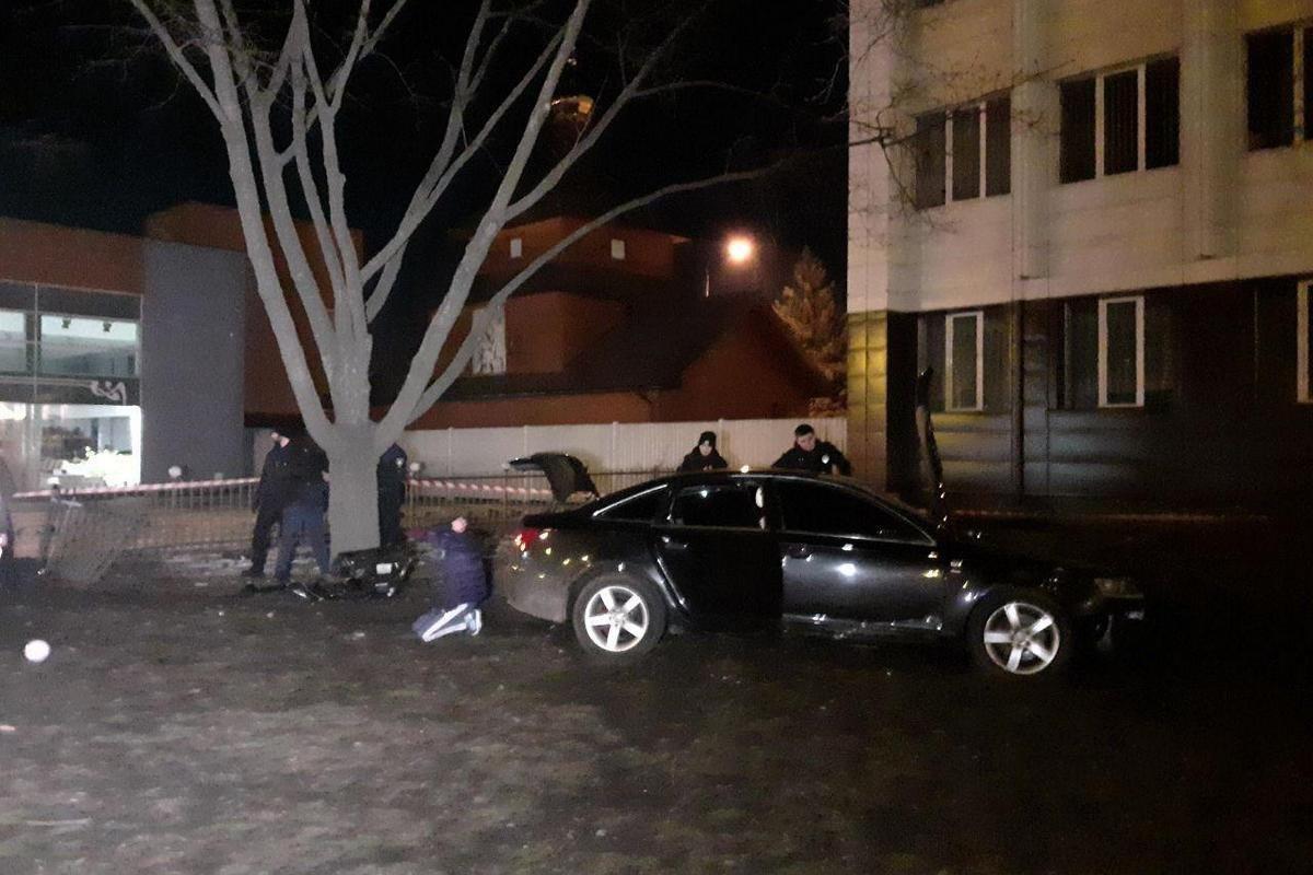 Похитили водителя и сбили троих пешеходов: авария в Днепре с Audi на Слобожанском проспекте, - ФОТО, фото-1