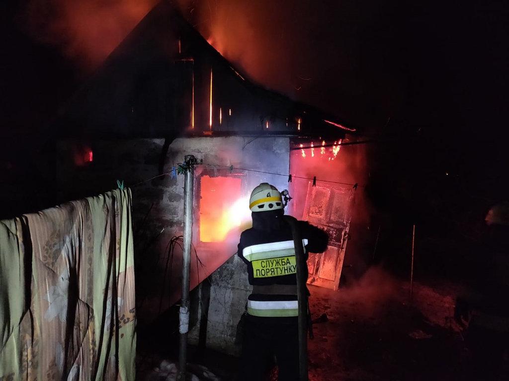 В Днепре 8 спасателей тушили пожар в хозпостройке, - ФОТО, фото-4
