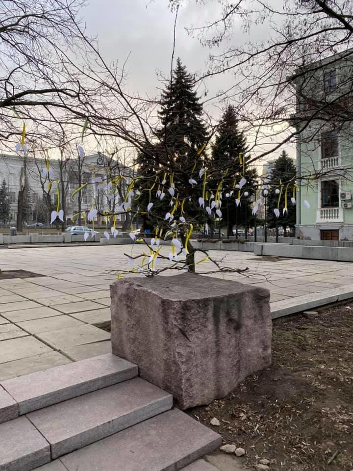 В Днепре вандалы испортили экспонат - подарок волонтеров музею АТО, - ФОТО, фото-4