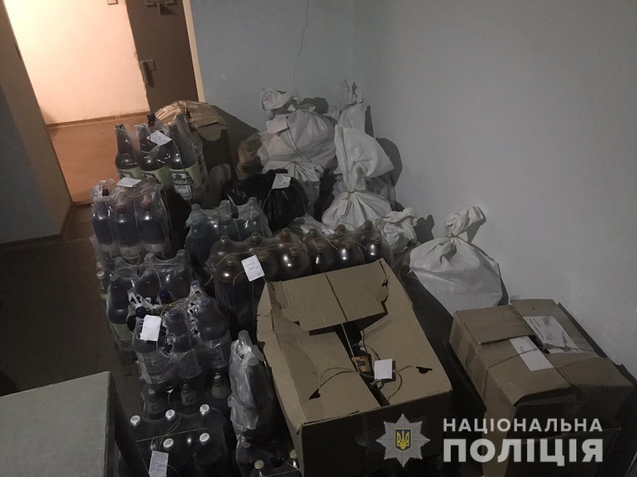 В Днепропетровской области правоохранители изъяли более 600 бутылок незаконного алкоголя, - ФОТО, фото-2