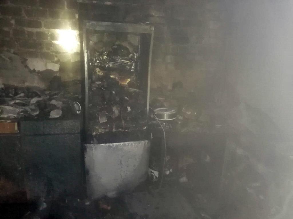 Под Днепром горело общежитие: спасли 10 человек, - ФОТО, фото-3